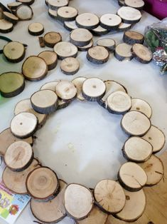Rustic Wood Slice Holiday Wreath - The Wicker House Wood Slice Crafts, Wooden Crafts, Christmas Wood, Christmas Crafts, Christmas Ideas, Christmas Ornaments, Wooden Wreaths, Wooden Slices, Wreath Crafts
