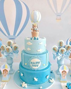 30 Cool Baby Shower Cake Ideas For Your Baby Boy - babyideaz Tortas Baby Shower Niña, Baby Shower Cakes For Boys, Baby Boy Cakes, Baby Shower Winter, Baby Shower Fun, Baby Shower Balloons, Boys 1st Birthday Cake, Birthday Parties, Beautiful Cake Designs