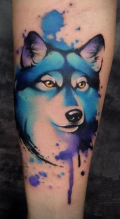 Watercolor tattoos will turn your body into a living canvas. Circle Tattoos, Body Art Tattoos, Tattoo Drawings, Sleeve Tattoos, Owl Tattoos, Fish Tattoos, Watercolor Wolf Tattoo, Aquarell Wolf Tattoo, Abstract Watercolor