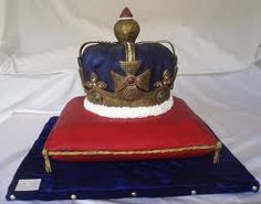 Jubilee - Crown on cushion cake