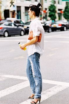 Image from http://www.whowhatwear.com/img/uploads/current/images/0/196/493/main.original.585x0.jpg.