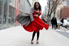 #BestWomensDresses #SexyTopsForWomen #CuteTopsForWomen #LongTopsToWear #FashionShoppingOnline Street Style 2014, Top Street Style, Cool Street Fashion, Street Style Women, Street Chic, 2015 Fashion Trends, Fashion Week, Star Fashion, Snow Day Outfit
