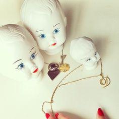 Bonecas Retrô Plástico  Objetos  a venda  no site :  www.vendavintage.com  #artigosvintage #ecommerce #vintageshop #vintage #retrô  #antiguidade  #decor #decoração  #decoração vintage#for the home #inspiration #home inspiration #interiors #shop #presentes #compras
