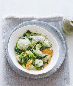 Rezept für Hähnchen-Limetten-Curry bei Essen und Trinken. Und weitere Rezepte in den Kategorien Geflügel, Gemüse, Gewürze, Kräuter, Hauptspeise, Kochen, Asiatisch, Einfach, Gut vorzubereiten, Schnell, Sojaprodukte/Tofu.