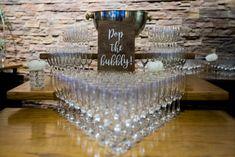 Sparkling wine arrival Sparkling Wine, Bubbles, Reception, Sparkle, Pop, Drinks, Drinking, Popular, Beverages
