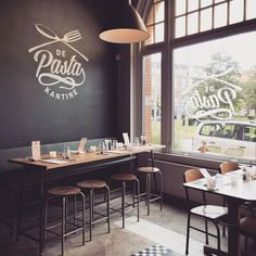 Each restaurant has a brand.Great, powerful, and effective restaurant branding is all about marrying your marketing with your operations. Restaurant Identity, Burger Restaurant, Restaurant Concept, Decoration Restaurant, Restaurant Interior Design, Cafe Interior, Design Studio, Cafe Design, Menu Design