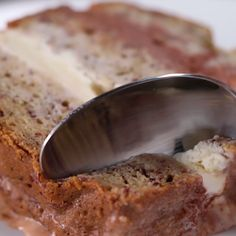 Stop what you& doing and make this banana bread ice cream cake ri Sweet Recipes, Cake Recipes, Dessert Recipes, Tasty Videos, Food Videos, Cooking Videos, Delicious Desserts, Yummy Food, Cream Recipes