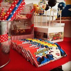 #wonderwoman #tatabirthdaypartyUma festa para uma menina que gosta de super-heróis • A birthday party for a girl who loves super-heroes