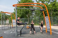 New Outdoor Fitness is a Game Changer Outdoor Gym, Outdoor Workouts, Outdoor Fitness Equipment, No Equipment Workout, Landscape Design Program, Outdoor Training, Backyard Gym, Urban Design Concept, Park Workout
