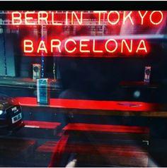 Interesting Photos, Cool Photos, Berlin, Barcelona, Neon Signs, Barcelona Spain