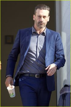 Jon Hamm Sports Neck Tattoo While Filming 'Baby Driver' With Jamie Foxx | jon hamm jamie foxx baby driver 25 - Photo