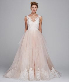 Kelly Faetanini Fall 2017 Sweetheart tulle ballgown with v-neck lace straps