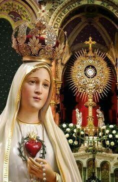 Our Lady of Fatima, Mother of the Holy Eucharist + Mary Jesus Mother, Mother Mary Images, Images Of Mary, Blessed Mother Mary, Mary And Jesus, Blessed Virgin Mary, Miséricorde Divine, Divine Mother, Divine Mercy