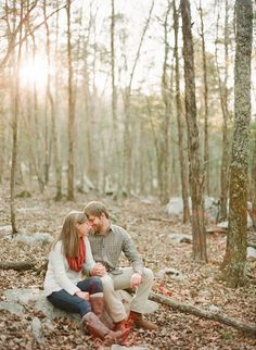 Rustic woodland engagement session, What to wear for family pictures