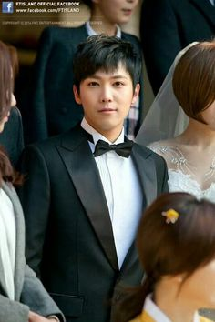Hongki - Bride of the century. He looks so manly in this hair ;-)