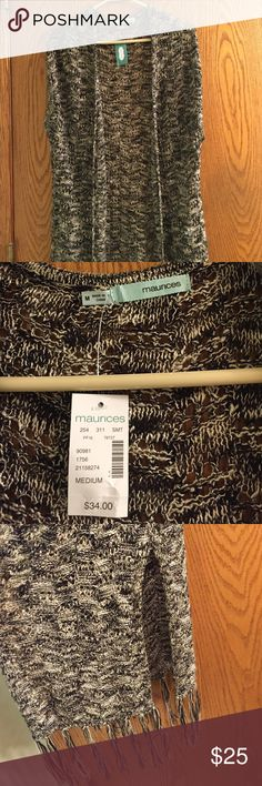 NWT Maurice's No Sleeve Sweater Super adorable Maurice's sweater. Split sides and fringe bottom. Brand new with tags. Size M.                                                                              ✔️ BUNDLE: 15% off 2+ items Maurices Sweaters Shrugs & Ponchos