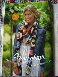 Daisy Chain scarf from Simply Crochet magazine, seen on Atti Crochet Daisy, Crochet Granny, Knit Crochet, Crochet Scarves, Crochet Clothes, Margarita Crochet, Granny Square Scarf, Granny Squares, Square Skirt