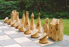 Outdoor garden chess set, with a medieval Scottish… Giant Garden Games, Giant Chess, 3d Chess, Outside Games, Lawn Games, Damier, Chess Pieces, Malm, Wood Turning