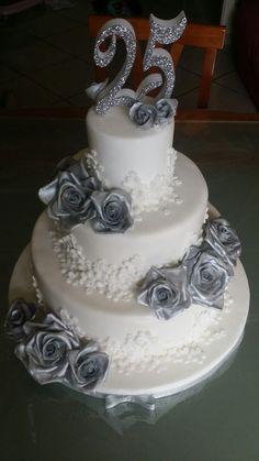 33 Fantastiche Immagini Su 25 Anniversario Di Matrimonio Cake