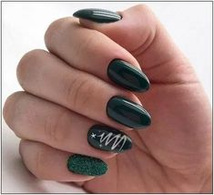50 stylish christmas nail colors and how to do them 3 | fashionspecialday.com
