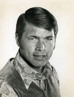 """Chad Everett, a ruggedly handsome actor who starred in the long-running television medical drama """"Medical Center,"""" died July 24 at his home in Los Angeles. He was 75."""