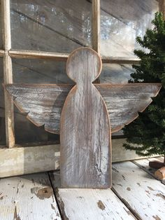angels {reclaimed wood} These beautiful reclaimed wood angels are the perfect holiday decor. They come in three different colors: white washed, grey washed and natural wood. Measuring 16 wide by 14 tall. *Each wood piece is Christmas Wood Crafts, Rustic Christmas, Christmas Projects, Christmas Diy, Christmas Decorations, Holiday Decor, Winter Wood Crafts, Pallet Christmas, Pallet Crafts