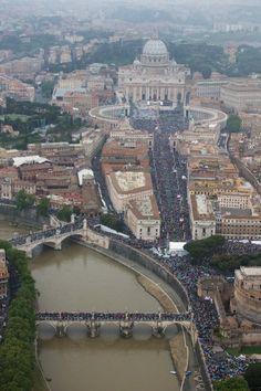 Novedad absoluta en Roma: devoción y recogimiento en calles y plazas - Primeros Cristianos