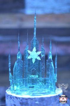 Easy Elsa Frozen Topper Tutorial – Famous Last Words Bolo Frozen, Torte Frozen, Elsa Torte, Frozen Castle Cake, Disney Frozen Cake, Frozen Cake Topper, Frozen Birthday Cake, Cake Toppers, Elsa Castle