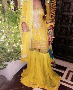 Yellow gharara Pakistani Wedding Outfits, Pakistani Bridal Wear, Pakistani Dresses, Indian Dresses, Indian Outfits, Dulhan Dress, Bridal Mehndi Dresses, Mehndi Outfit, Pakistani Couture