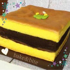 Pink Things r g b color pink Delicious Cake Recipes, Yummy Cakes, Dessert Recipes, Nougat Cake, Mandarin Cake, Marmer Cake, Lapis Surabaya, Bolu Cake, Mooncake Recipe