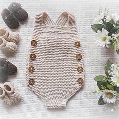 "219 Synes godt om, 18 kommentarer – mariacarapim@gmail.com (@maria_carapim) på Instagram: ""#baby #babyclothing #babyclothes #beige #babyromper #romper #babyknitwear #handmade #babygirl #yarn…"""