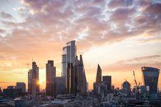 22 Bishopsgate - Sunrise Over The City - Martin Richardson images New London, London City, Facade Engineering, Sunrise City, Future Buildings, Public Realm, London Photos, Photomontage, New York Skyline