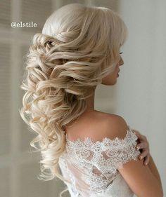 Inspirujące upięcie uwielbiamy takie! A jaka jest Wasza wymarzona fryzura ślubna? #slubnaglowie @elstile #bridalhairinspiration #wedding#instaslub #instaweddings #pannamloda #bride #bridal #fryzuraslubna #fryzuradoslubu #weddinghair #hair #slubne #upiecie #lokidoslubu #blond #omg #fave #przygotowaniadoslubu #bridalprep #hairstyles #bridalhairstyle #bridalhairdecor #weddinghairstyle #bridetobe
