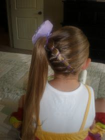 DIY Side Ponytail With Elastic Bands