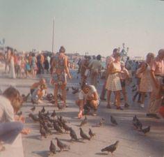 Early 80s Californian beach walk?