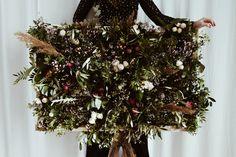 Handmade flower crown from Vienna. ❤ Exclusive custom made wedding crowns for brides ❤ Blumenkranz handgemacht in Wien anfertigen lassen. Handmade Flowers, Flower Crown, Flower Decorations, Christmas Wreaths, Rustic, Bride, Holiday Decor, Wedding, Floral Wreath