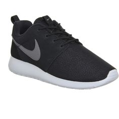 Nike Roshe Run ($58) ❤ liked on Polyvore featuring shoes, athletic shoes, nike, sneakers, trainers, zapatillas, unisex sports, grip shoes, nike athletic shoes and nike shoes