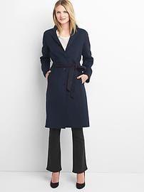 Classic wool coat | Gap #fashionfavorites #pencilandpaperco