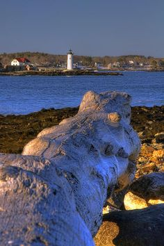 Portsmouth Harbor Lighthouse, on October 8, 2009  was listed on de National Register of Historic Places, is located within Fort Constitution in New Castle, New Hampshire_ USA
