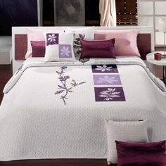 This Pin was discovered by Nev Bed Sheet Curtains, Bed Sheets, Floral Bedspread, Bed Runner, Bed Sheet Sets, Bed Furniture, Beautiful Bedrooms, Bed Covers, Bed Design