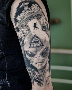 Baby Tattoos, Life Tattoos, Body Art Tattoos, Tattoos For Guys, Sleeve Tattoos, Astronaut Tattoo, Alien Tattoo, Et Tattoo, Tattoo Arm
