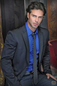 Juan Alfonso Baptista - OSCAR Cool Hairstyles For Men, Haircuts For Men, David Zepeda, Costume Sexy, Latino Men, Most Beautiful People, Business Outfit, Sharp Dressed Man, Well Dressed