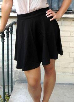 A vendre sur #vintedfrance ! http://www.vinted.fr/mode-femmes/jupes-patineuses/17204470-jupe-noire-tulipe-coton-stretch