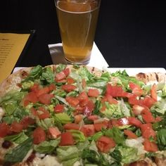 Deelish - 8件のもぐもぐ - BLT stoned fired pizza and braided Blonde Kolsch by Maryann Struman