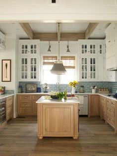 Best Home Decorating Ideas Stunning 77 Chic Beach House Interior Design Ideas And Decorations Using Kitchen Redo, Home Decor Kitchen, Kitchen Interior, New Kitchen, Home Interior Design, Kitchen Remodel, Modern Interior, Country Kitchen, Farmhouse Remodel