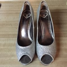 """ON SALE Madeline silver formal platforms  Only worn once for a couple hours to homecoming. Silver. MADELINE brand! Purchased from a boutique locally called """"I  Shoes"""" They have a removable heel pad for comfort. ‼️ No trades ‼️ Madeline Shoes Platforms"""