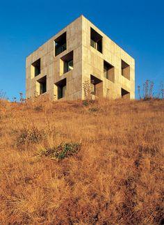 insitu concrete shell as envelope - Poli House - Coliumo peninsula - Chile - Pezo von Ellrichshausen