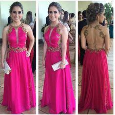 """Giovana França  on Instagram: """"Começando o ano com a belíssima @taynaradona vestindo #ateliergiovanafranca !!! Desejo à todos vcs um maravilhoso 2015, repleto de amor,saúde,paz e muitas conquistas!!!✨ #happynewyear #felizanonovo #Godbless #dress #vestido #belo #pink #thinkpink #loveit #love #wedding #madrinhadecasamento #bordado #handmade #gold #brilho #glam #glamour #gorgeous #decotecostas #trèschic #chic #work #instawork #ilovemyjob"""""""