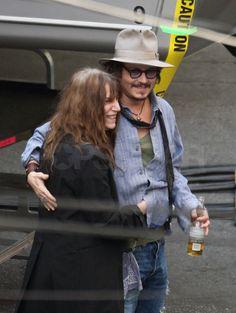 Photos of Johnny Depp Her Music, Music Love, Dancing Barefoot, Strange Music, Johnny Depp Movies, Robert Mapplethorpe, Yellow Line, Patti Smith, Rockabilly Fashion