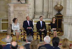 King Juan Carlos officially abdicates - hellomagazine.comQueen Sofía, King Juan Carlos, Prince Felipe, and Princess Letizia
